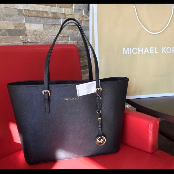 7175702f8f41  278 Michael Kors Jet Set Travel Handbag Purse Bag